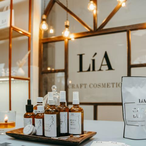 LíA Craft Cosmetics